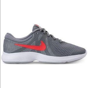 NIKE Revolution 4 sneakers grey & pink US 4Y